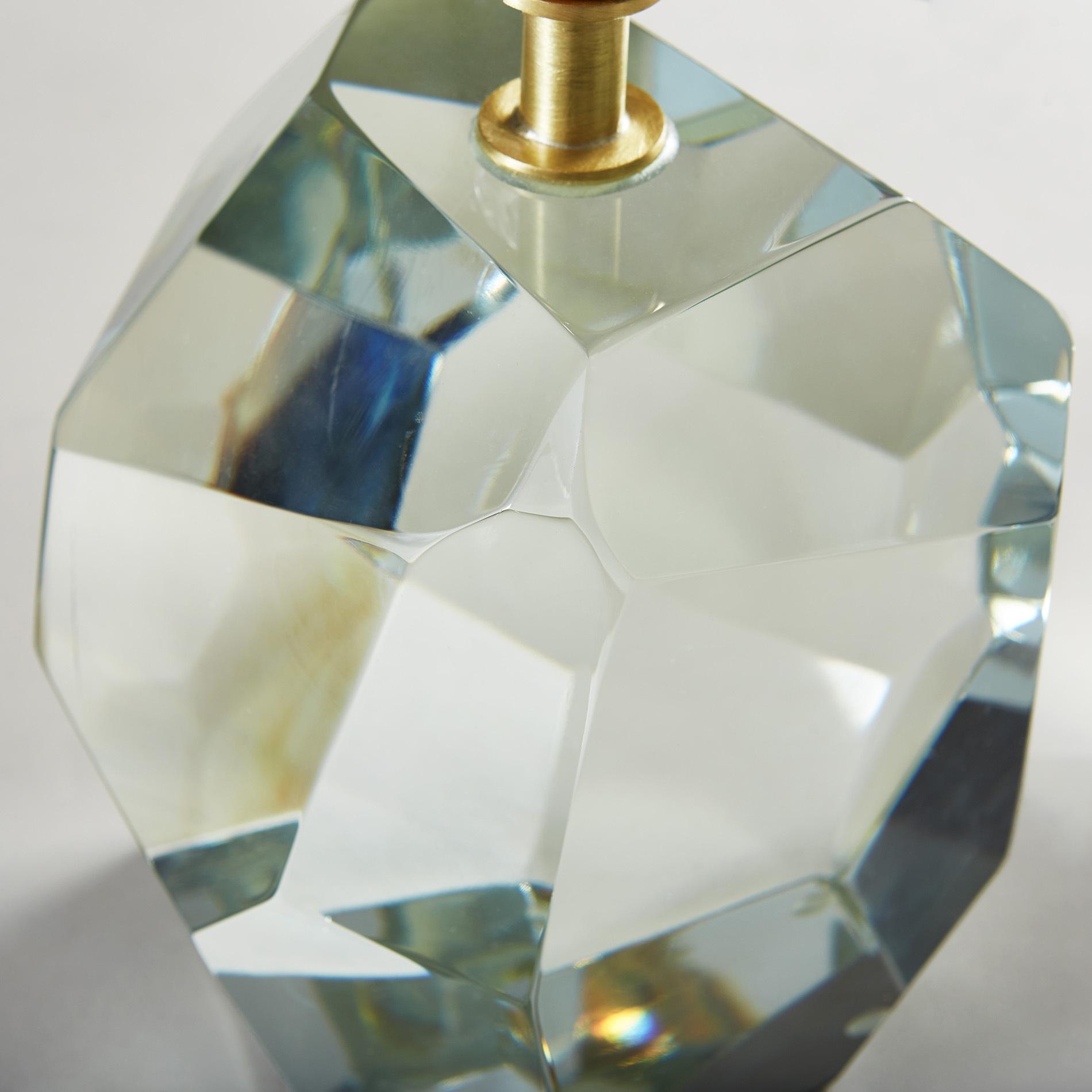 Clear Rock Lamp 250 V1