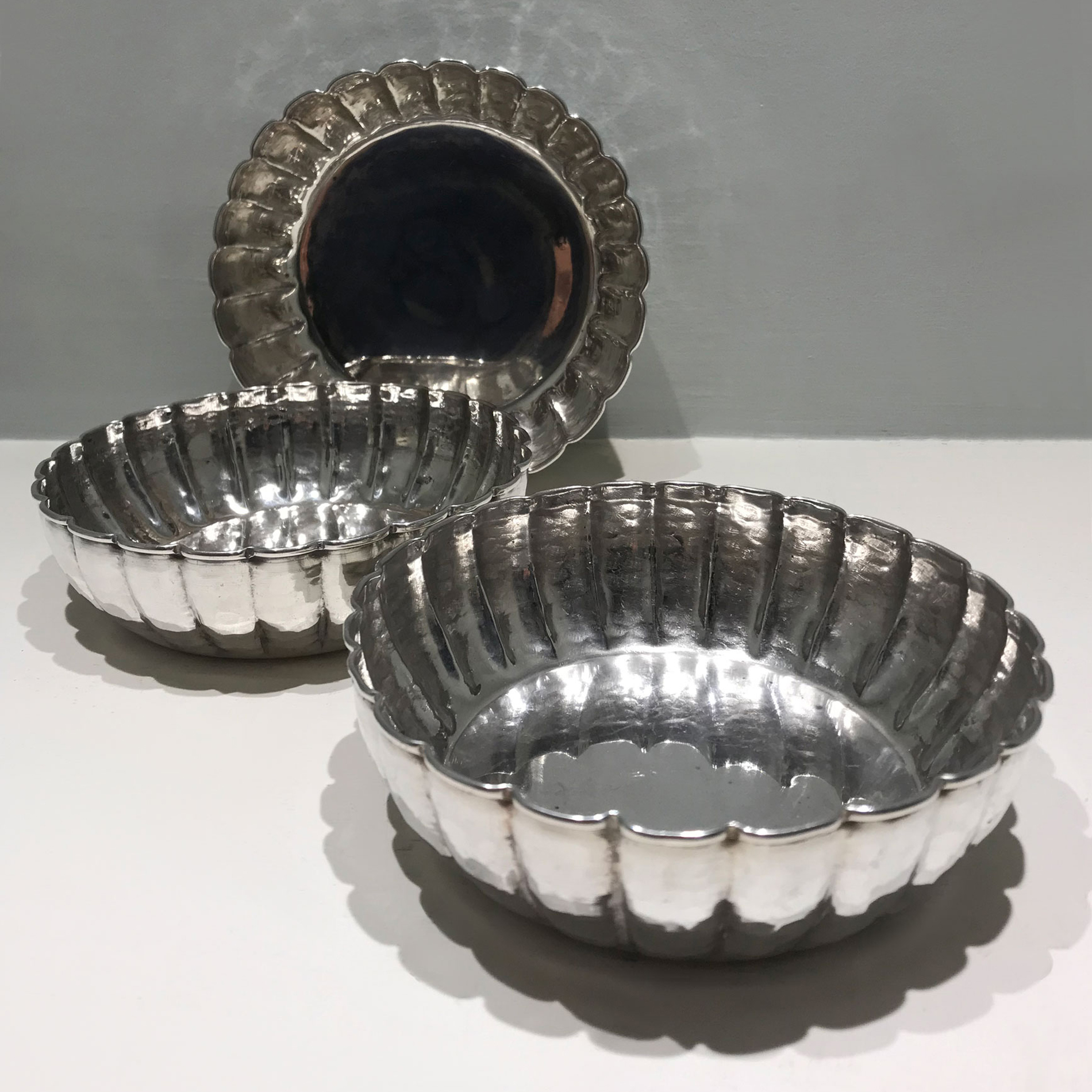 The image for Three Silver Bowls 05
