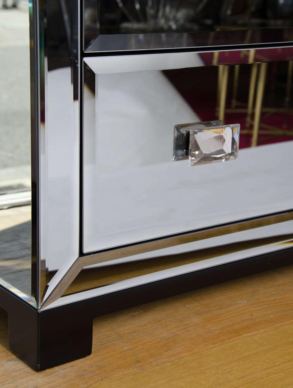 The image for Valerie Wade Fc303 Venice Chest Drawers Faceted Crystal Handles 05