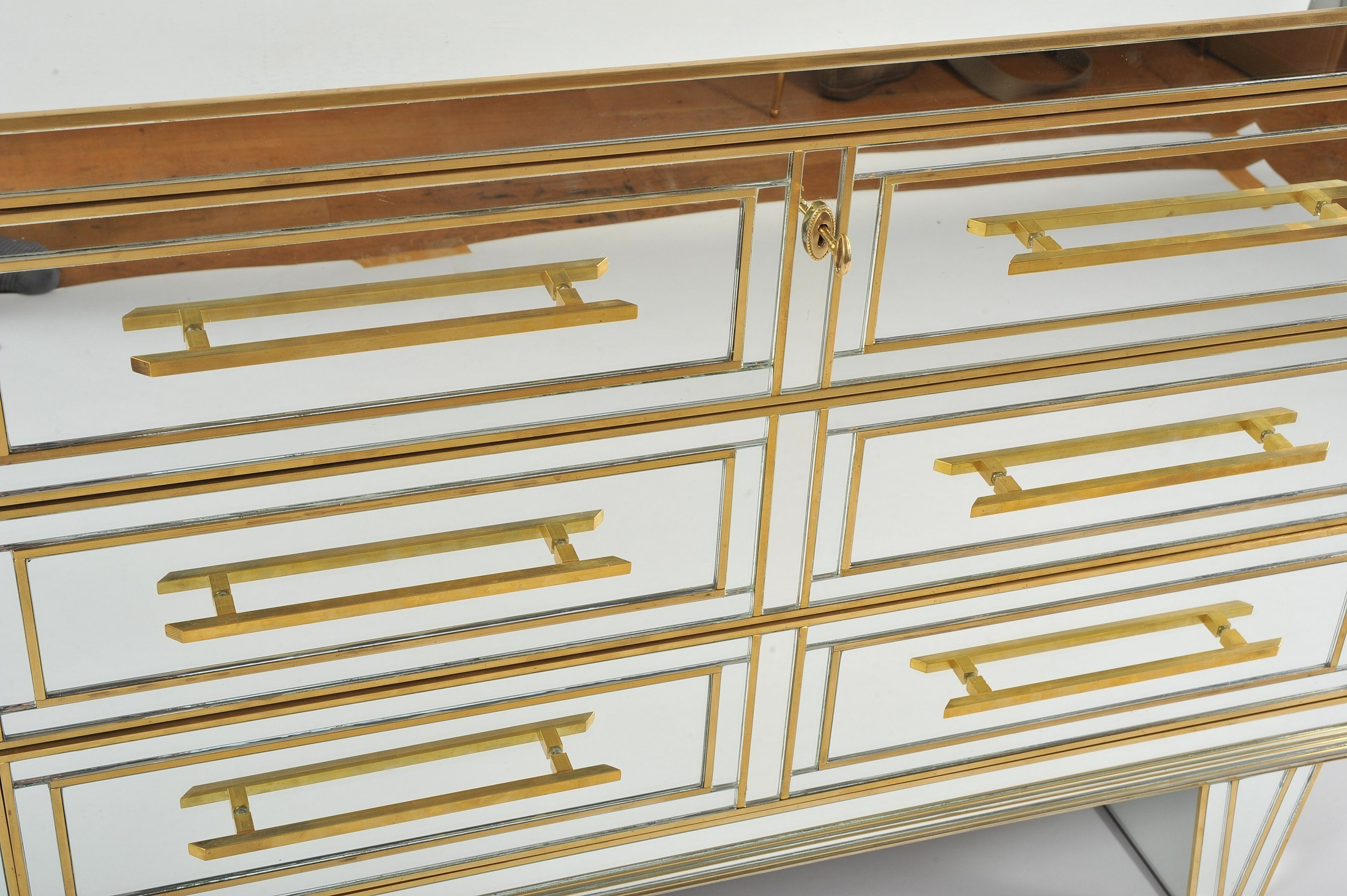 Valerie Wade Fc665 1970S Mirrored Chest Drawers 03