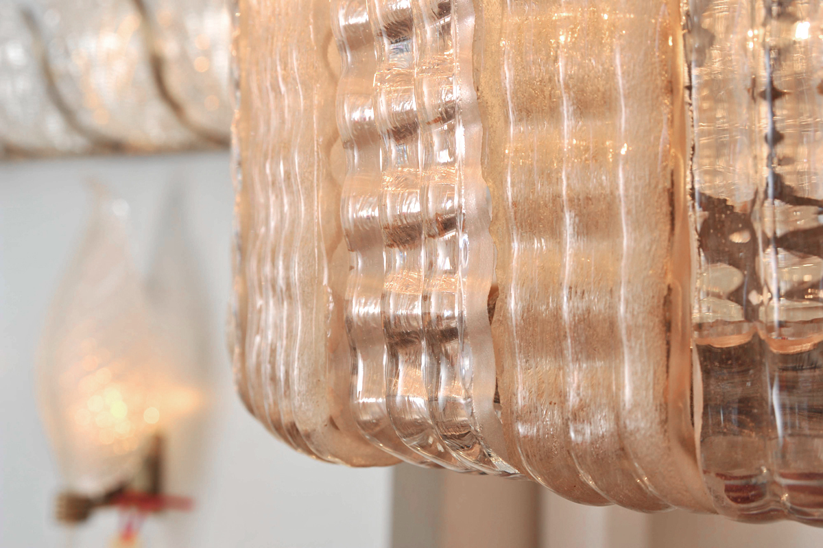 The image for Valerie Wade Lc631 1950S Italian Pink Glass Chandelier 05